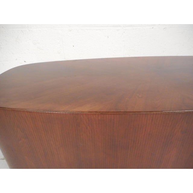 Mid-Century Modern Oval Coffee Table For Sale - Image 9 of 12