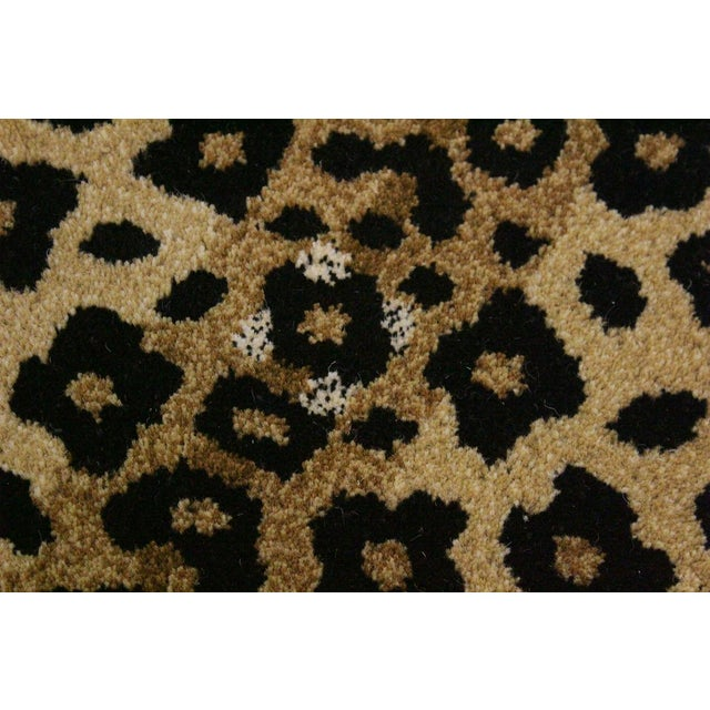 Contemporary Decorate Wild Animal Design Handcuffed Area Rug- 2′ × 3′ For Sale - Image 4 of 9