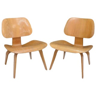 Early Charles Eames for Herman Miller LCW Lounge Chairs - a Pair For Sale