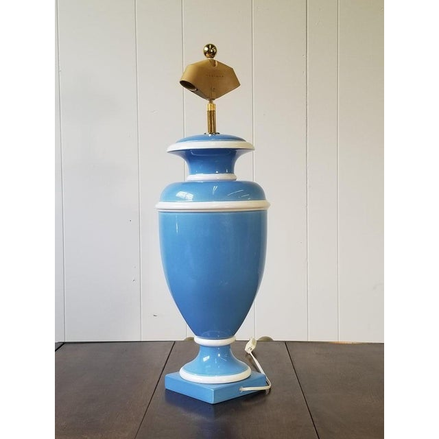 Vintage Italian Ceramic Urn Lamp in Blue and White For Sale - Image 4 of 7