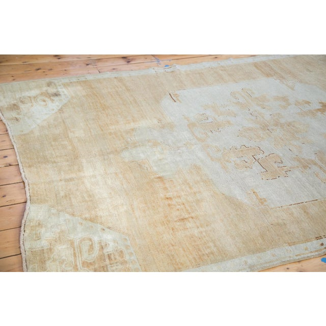 "Distressed Oushak Carpet - 5'10"" X 9'1"" For Sale - Image 9 of 10"