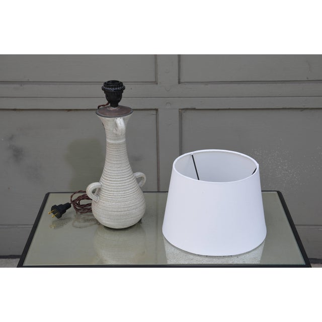 Accolay Pottery Chic Gourd Shaped Table Lamp With Custom White Parchment Shade For Sale - Image 4 of 5