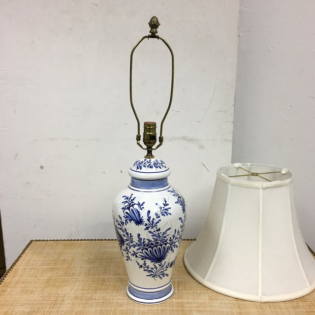 Eximious of London Blue & White Hand Painted Table Lamp - Image 8 of 9
