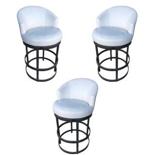 Round Tubular Chrome Bar Stool W/ Swivel Seat For Sale