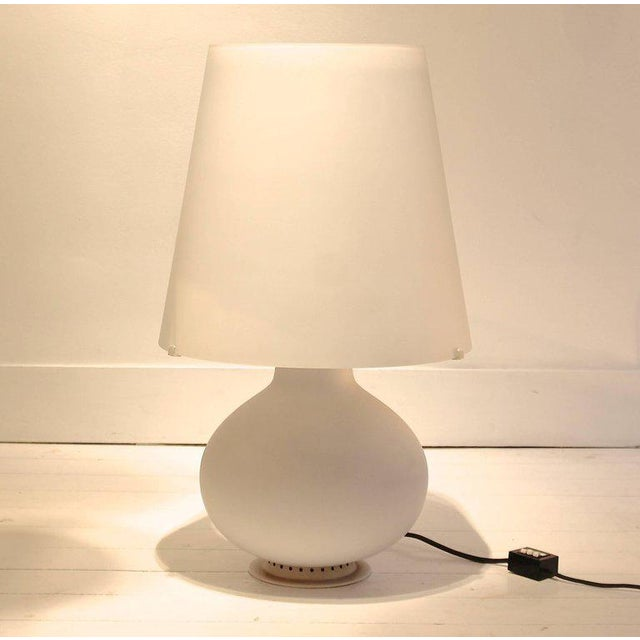 """Two Frosted Glass """"Fontana"""" Table Lamps by Max Ingrand for Fontana Arte, Italy For Sale - Image 9 of 9"""