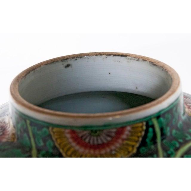 Famille Verte Temple Jar For Sale In San Francisco - Image 6 of 7