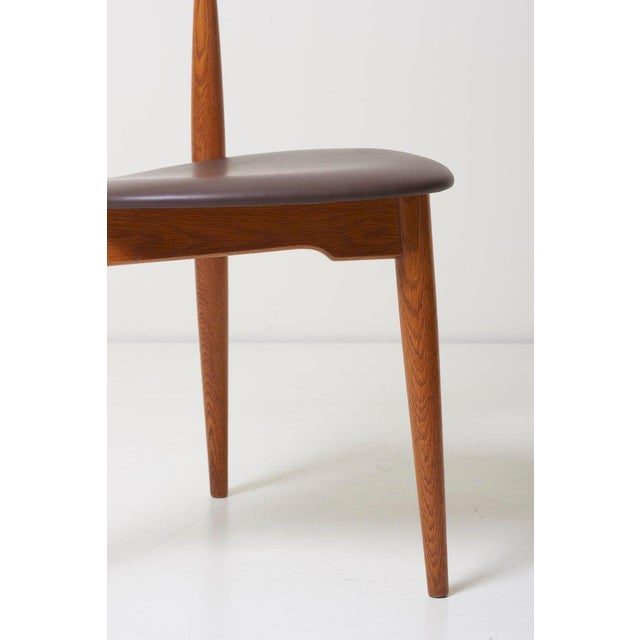 Brown Dining Set With a Table and Six Heart Chairs by Hans Wegner for Fritz Hansen For Sale - Image 8 of 13
