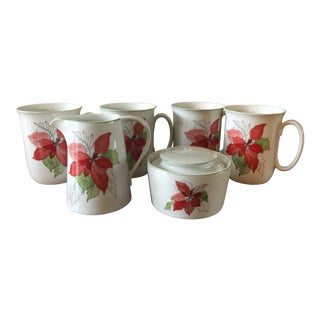 1980s Vintage Block Spal Poinsetta Porcelain Cups With Sugar Bowl and Creamer. Set of 6 For Sale