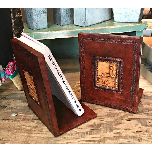 Italian 1970s Italian Brown Leather Bookends - a Pair For Sale - Image 3 of 5