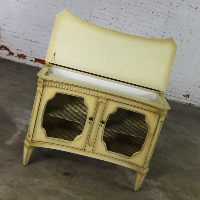Mid 20th Century Hollywood Regency Dry Bar Liquor Cabinet Mid Century With Golden Glo Finish For Sale - Image 5 of 13