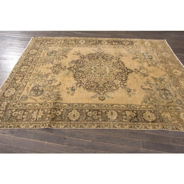 "Apadana Vintage Tabriz Rug - 6'6"" x 9'3"" For Sale - Image 4 of 7"