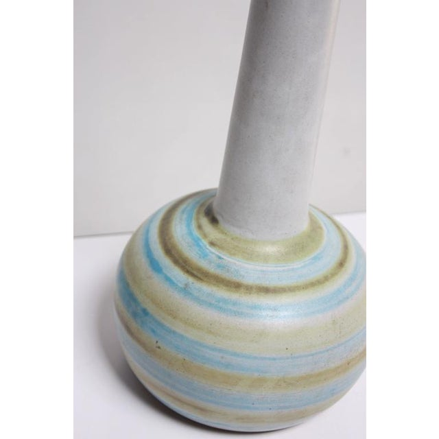 Mid-Century Modern 1960s Gordon and Jane Martz Colorful Stoneware Table Lamp For Sale - Image 3 of 5
