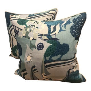 Schumacher Pearl River Linen Pillows - A Pair For Sale