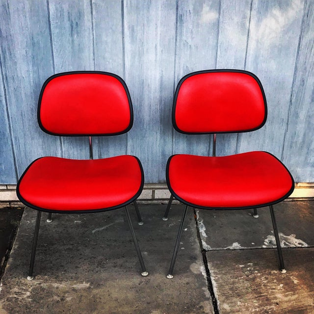 1970s Vintage Eames for Herman Miller Dcm Chairs- A Pair For Sale In New York - Image 6 of 8