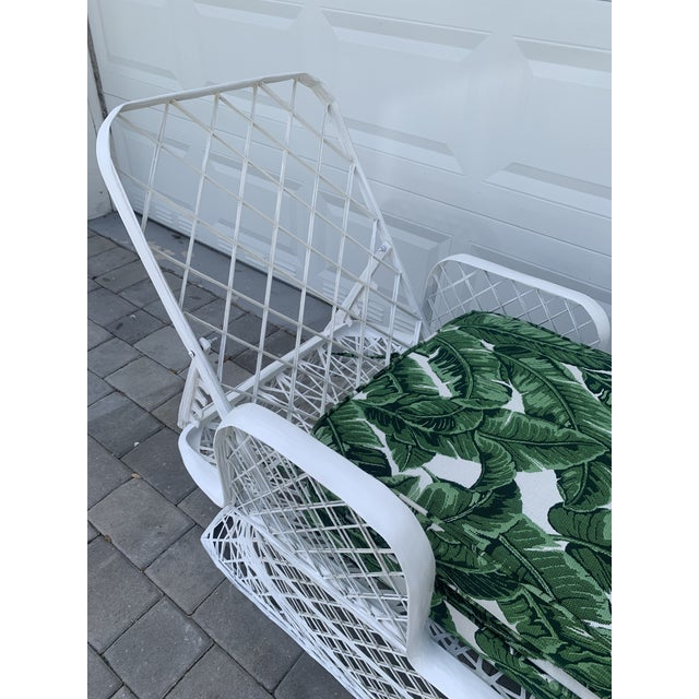 Vintage Russell Woodard Spun Fiberglass Chaise Lounge Chair For Sale - Image 11 of 13