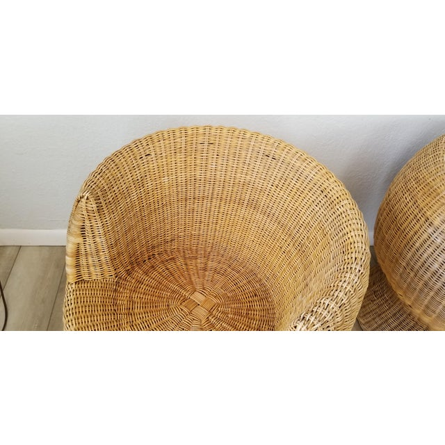 1960s 1960's Postmodern Eero Aarino Attributed Wicker Chairs and Coffee Table - Set of 3. For Sale - Image 5 of 13