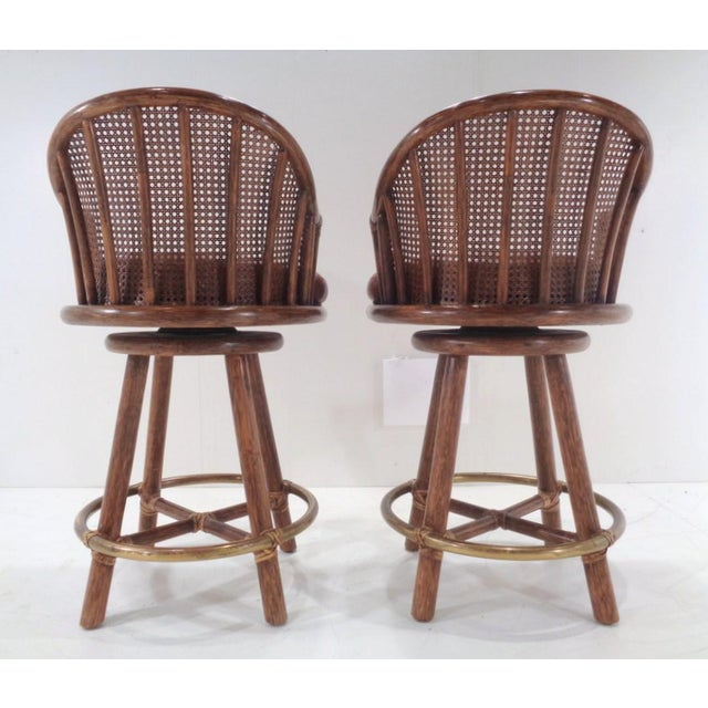 Vintage McGuire Organic Modern Bamboo & Leather Swivel Barstools ~ a Pair For Sale - Image 4 of 13