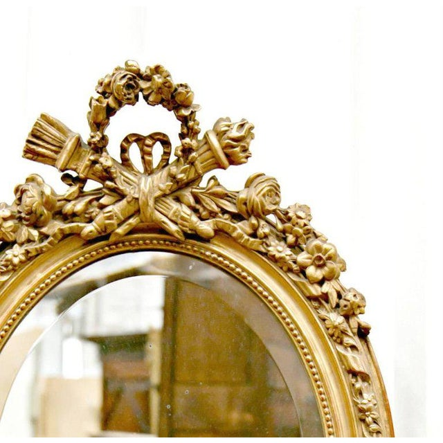 Belle Epoque 19th Century French Louis XVI Style Carved Oval Giltwood Mirror For Sale - Image 3 of 8
