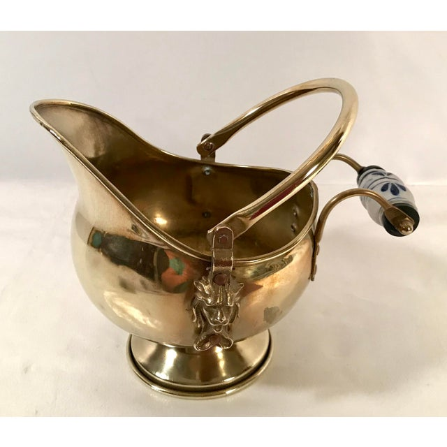 Mid 20th Century Vintage Irish Brass and Flo Blue Coal Shuttle For Sale - Image 5 of 10