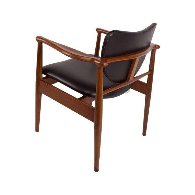Danish Modern 1950s Finn Juhl, Danish Mid-Century Modern Teak and Leather Armchair For Sale - Image 3 of 10