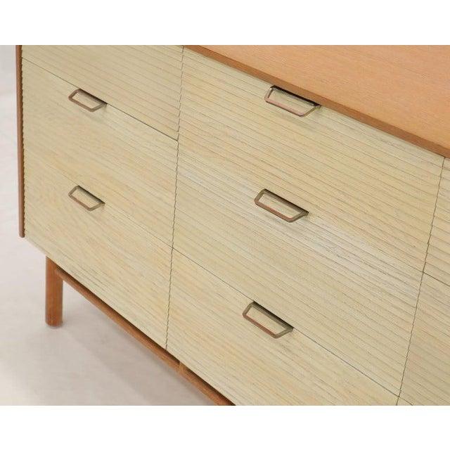 Mid-Century Modern Two Tone Nine Drawer Cerused Oak Long Dresser Credenza by Mengel For Sale - Image 3 of 13