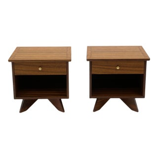 Pair George Nakashima for Widdicomb East Indian Laurel Wood Nightstands With Drawer For Sale