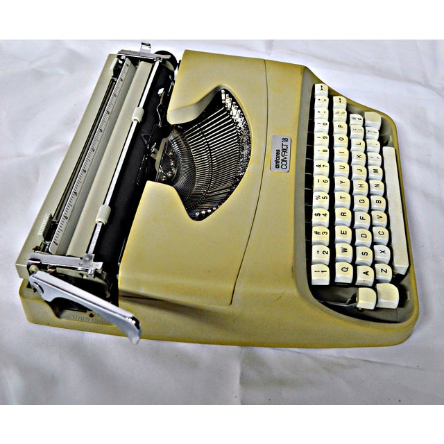 Italian Typewriter With Portable Case - Image 8 of 10