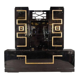 Important and Stunning Custom Cabinet in Black Lacquer & Gilt by James Mont For Sale