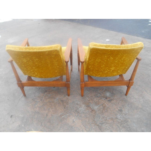 Vintage Mid-Century Danish Modern Lounge Chairs- a Pair For Sale - Image 5 of 10