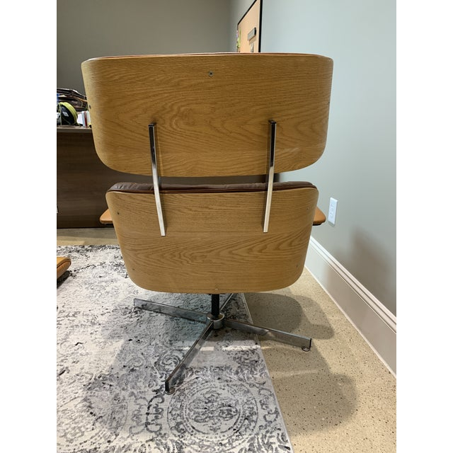 Selig Vintage Mid Century Selig Manufacturing Company Chair & Ottoman For Sale - Image 4 of 13