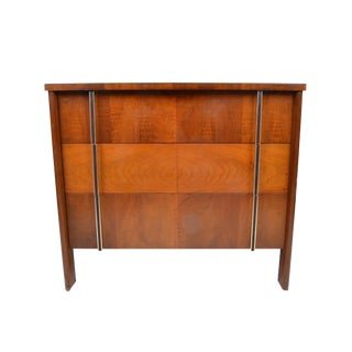 1950s Mid-Century Modern John Widdicomb Walnut Chest of Drawers For Sale