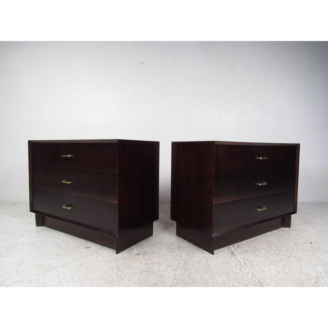 Pair of Mid-Century Modern Mahogany Bachelor's Chests For Sale - Image 4 of 9