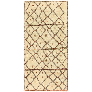 Vintage Moroccan Ivory Rug - 5′8″ × 12′ For Sale
