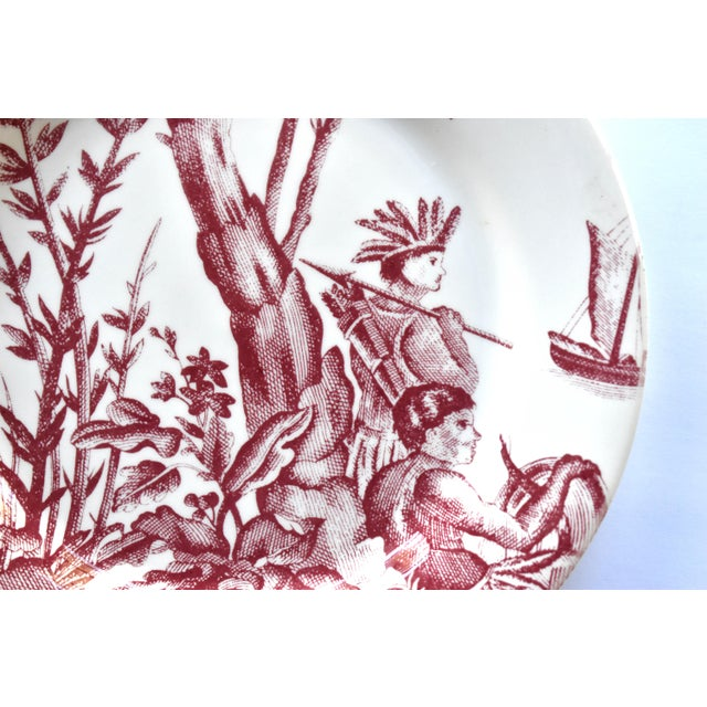 """Gien French Gien & Pierre Deux """"Lafayette"""" Pattern Red Americas Toile Plate For Sale - Image 4 of 7"""