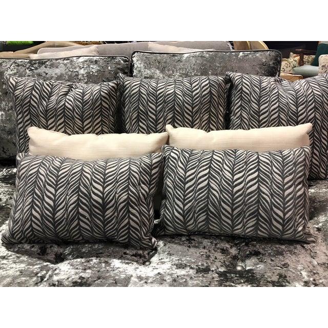 Modern Contemporary Crushed Velvet Daybed Sofa For Sale In Denver - Image 6 of 13