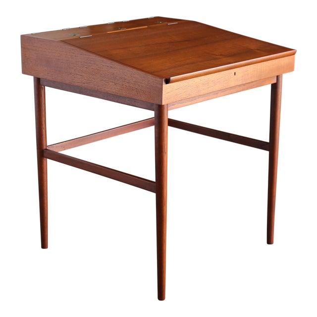 Finn Juhl Nv-40 Desk for Niels Vodder, Circa 1950 For Sale