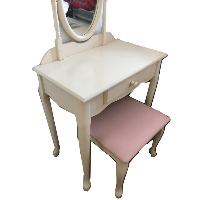 White Vanity With Mirror and Pink Stool Set For Sale - Image 9 of 10