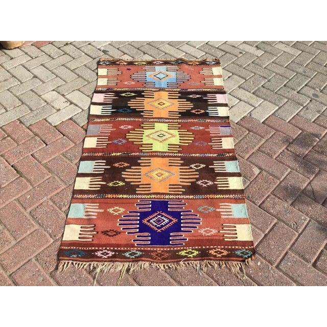 "Vintage Turkish Kilim Rug - 2'9"" x 4'10"" For Sale - Image 10 of 10"
