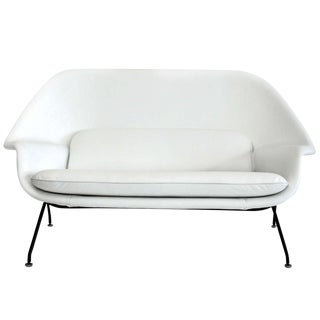 Eero Saarinen Womb Settee for Knoll With Original Tag Circa 1960s For Sale