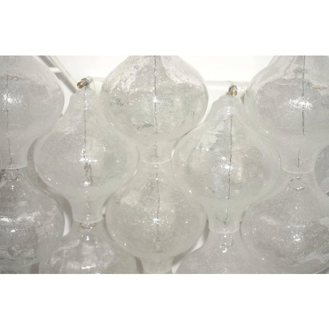 "Set of Four Large-Scale ""Tulipan"" Wall Sconces, Murano Glass, Austria, Kalmar - Image 6 of 9"