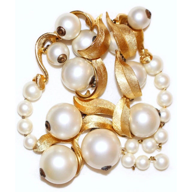 1960s 1960 Faux-Pearl Necklace For Sale - Image 5 of 7