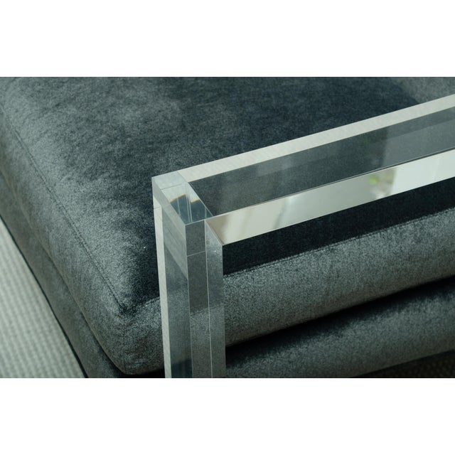 Mid-Century Modern Fabulous Pair of Lucite Arm Chairs For Sale - Image 3 of 8