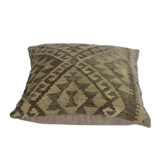 "Darius Gray/Tan Hand-Woven Kilim Throw Pillow(18""x18"") For Sale - Image 4 of 6"