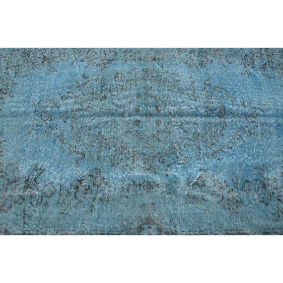 Turkish Handwoven Blue Antique Oushak Rug -- 3′11″ × 7′1″ For Sale - Image 4 of 5