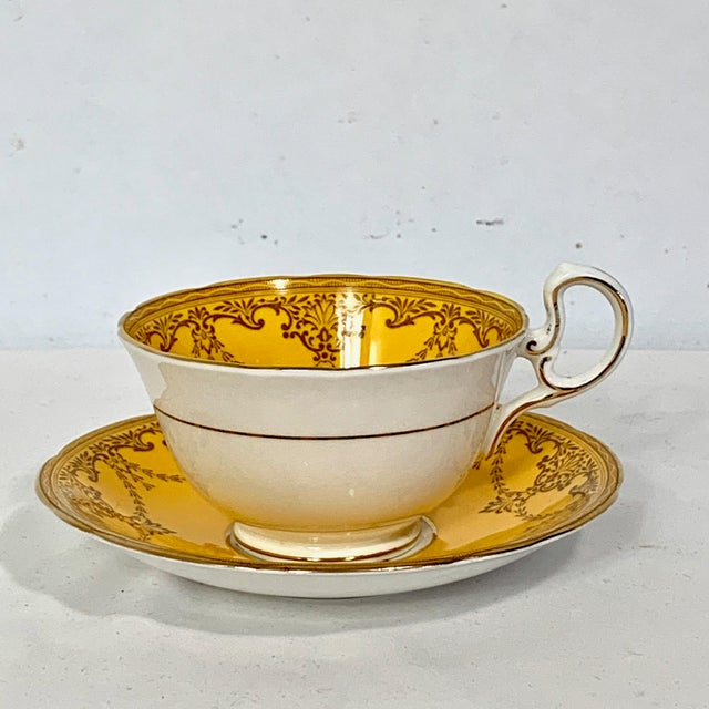 Aynsley England Yellow Gold Gilt With Yellow Rose Floral Bouquet Cup & Saucer For Sale - Image 4 of 10