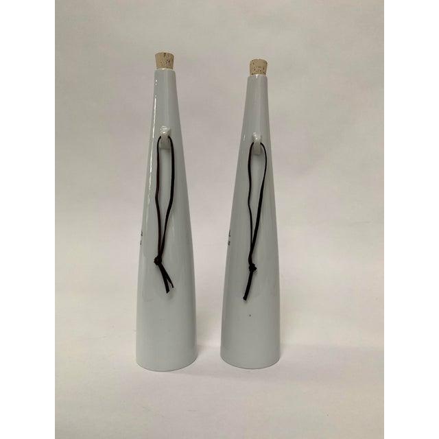 Lagardo Tackett 1960s Mid-century Modern Porcelain Wine Decanters by Kenji Fujita - a Pair For Sale - Image 4 of 7