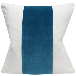 Contemporary Teal Blue Velvet and White Cotton Pillow Cover - 22x22 For Sale