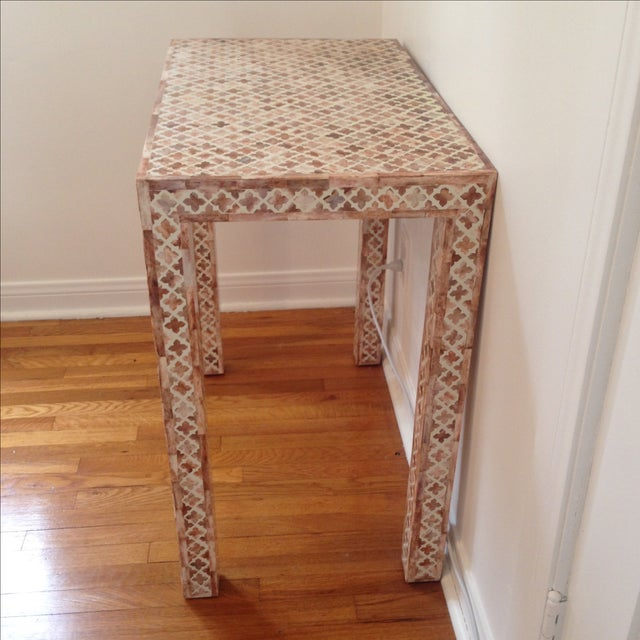 HD Buttercup Shell Inlay Trellis Console - Image 7 of 11