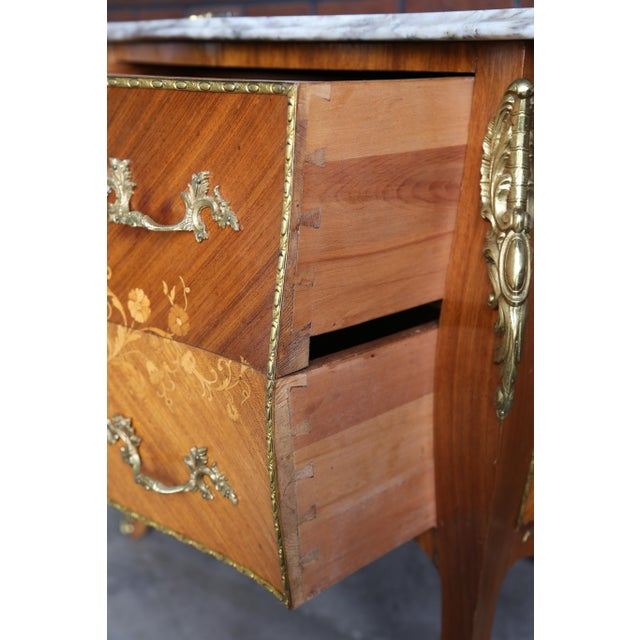 Early 20th Century 1900s Antique French Rococo Marble Top Nightstands-a Pair For Sale - Image 5 of 12