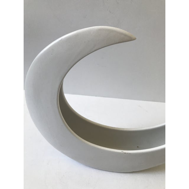 White Crescent Shaped Vessel - Image 4 of 8